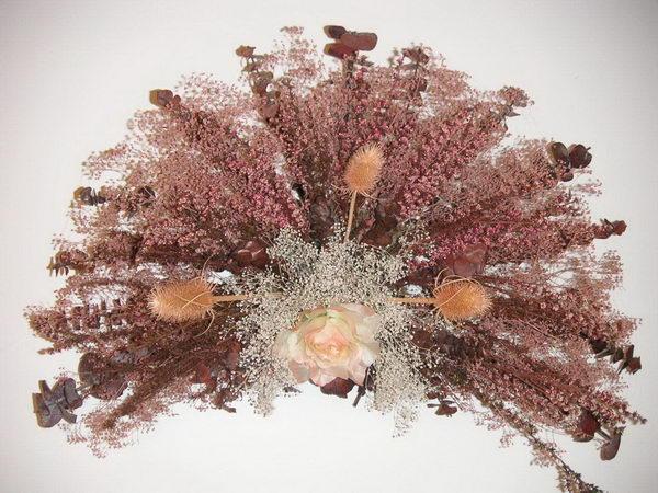 fan shaped flower arrangements 3