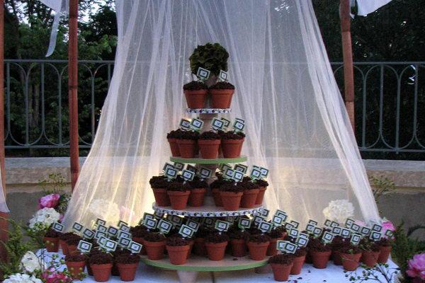 flower pot cupcake wedding cake 29