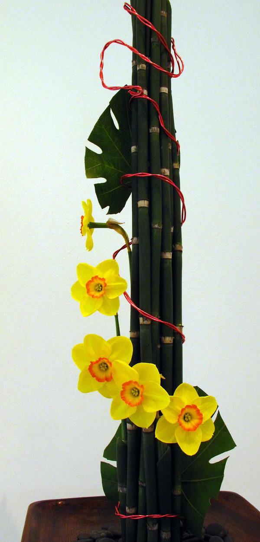 unique tower shape flower arrangement 5