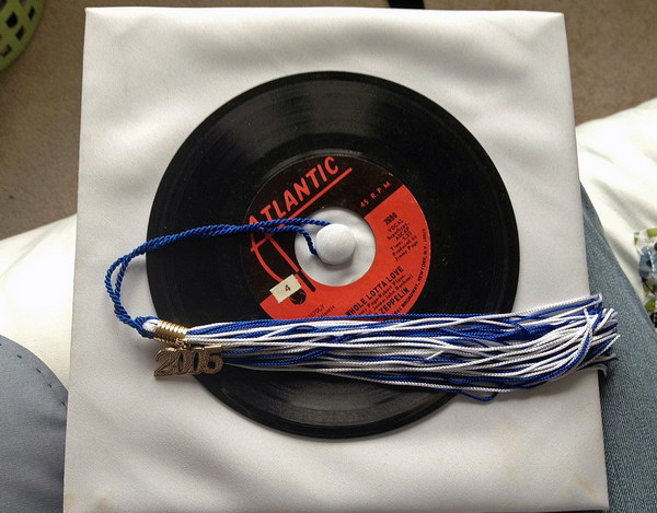 vinyl graduation cap decoration idea 43