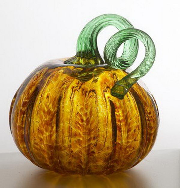 Pumpkin Kitras Art Glass. This authentic hand-blown pumpkin is a decorative reminder of autumn and gatherings between family and friends.