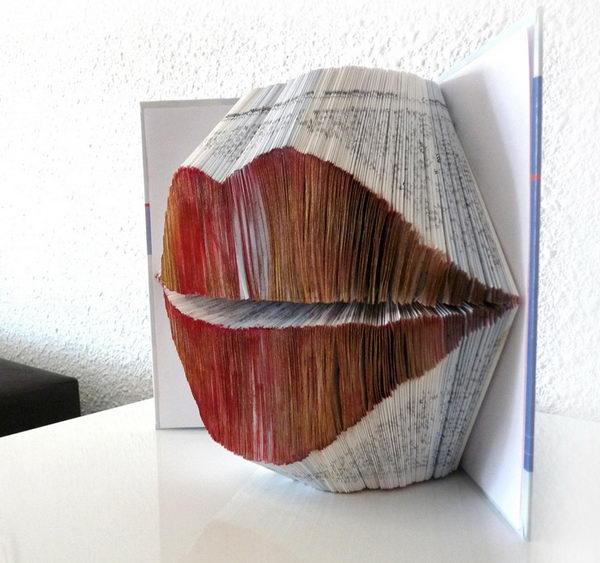 Red lips Book Sculpture,
