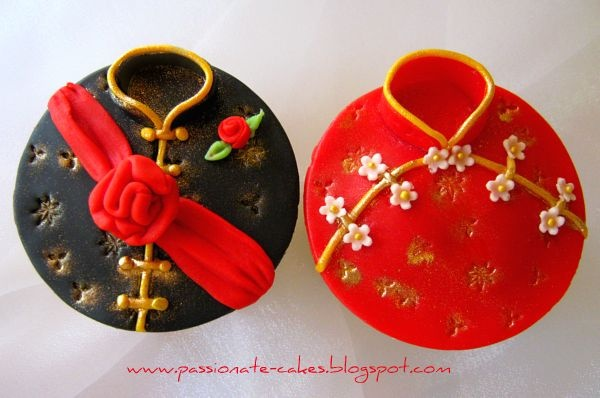 Adorable Tradtional Chinese Clothing Cupcakes,