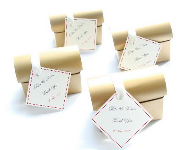 Mini Gold Chest Favour Boxes. These favour boxes with elegant personalized tags are perfect for weddings and other special events.