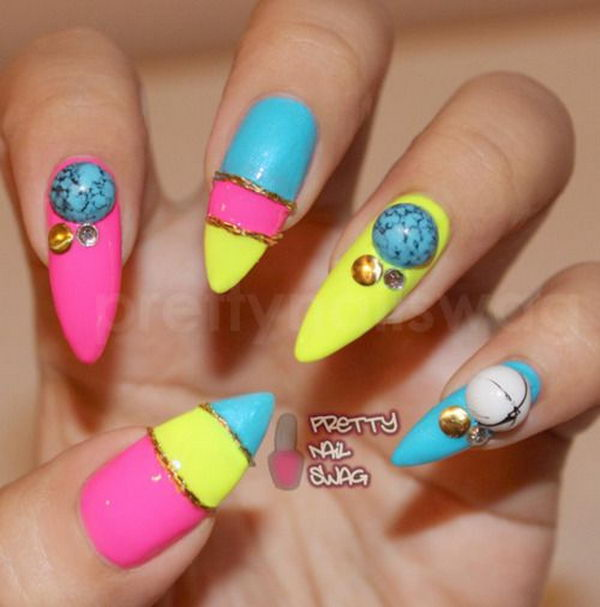 3D Pointed Nail, 3D nail art is a technique for decorating nails that creates three dimensional designs.