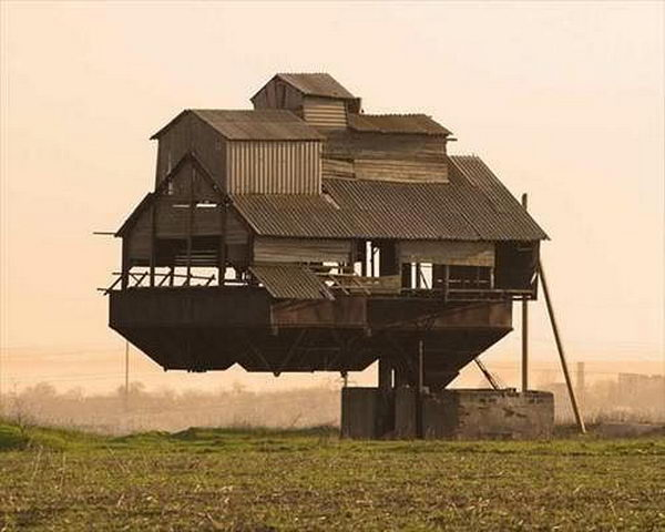Floating House (Krasnosilka/ Ukraine).