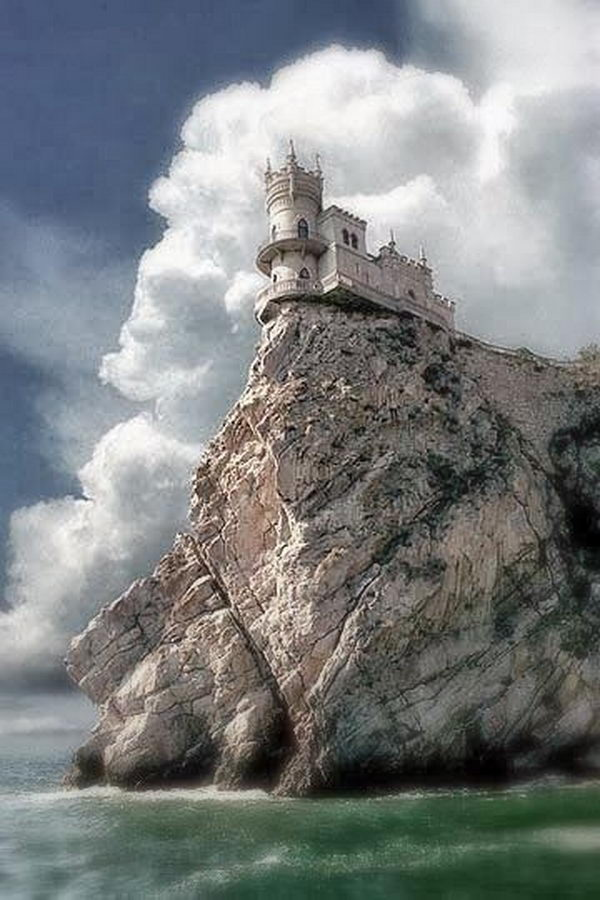 The Swallow's Nest is a decorative castle located between Yalta and Alupka on the Crimean peninsula in southern Ukraine.
