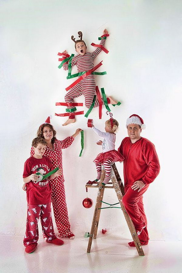 20 Fun And Creative Christmas Card Photo Ideas 2017