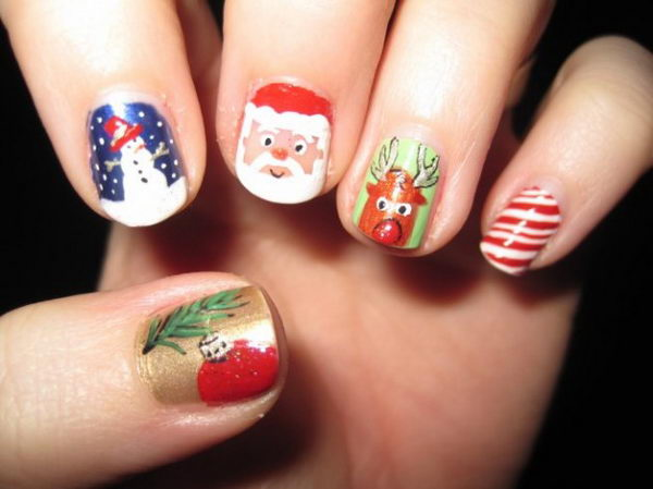 Cool Christmas Nail Designs. Decorate your nails in the spirit of Christmas.