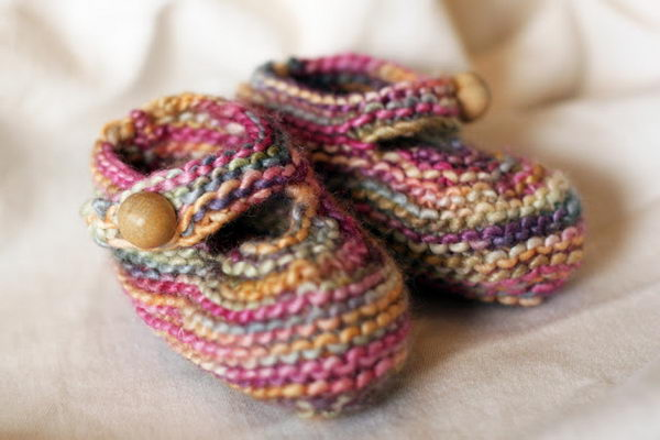Knitted Baby Shoes. Cool Knitting Project Ideas