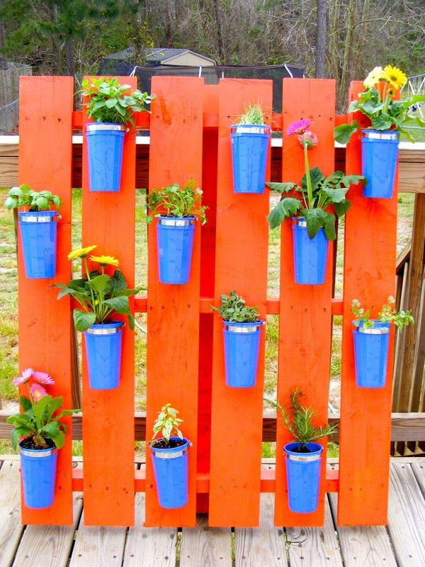20 Cool Vertical Gardening Ideas 2017