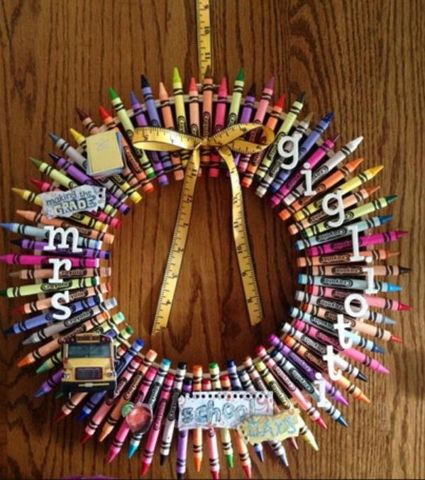 Personalized Crayon Wreath.