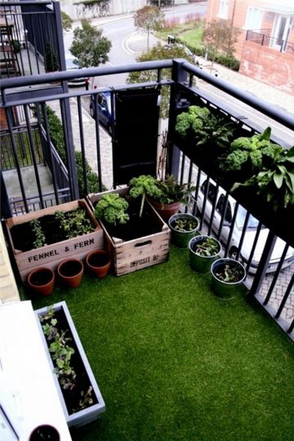 https://ideastand.com/wp-content/uploads/2015/01/balcony-garden-ideas/4-balcony-garden-ideas.jpg