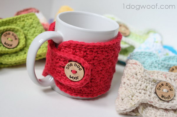 Stitch Mug Cozy. A homemade mug cozy is a very warm and great present for friends in the winter. This cute mug cozy is specially a wonderful gift for girls.