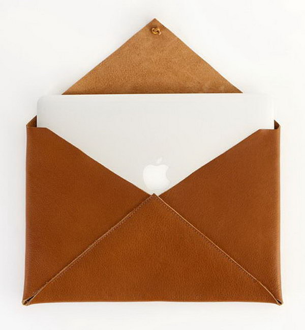 Newman Laptop Case. This gorgeous gadget serves best to keep your computer safe and chic  with a leather wrap closure in a n envelope shape. The graduate must love its cute outlook as well as practical usage.