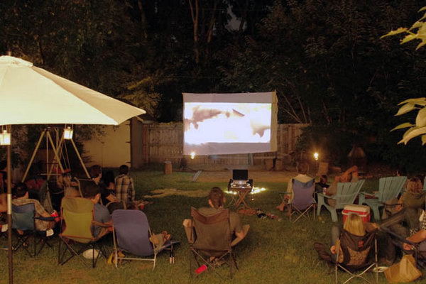 Backyard Movie Night Bash Party Idea. Get bored by your daily routine, it's time for recreation. You don't need to drive out for a movie, just enjoy yourselves with your friends or relatives for cozy movie at your backyard. Place several blankets, bean bags or outdoor rug in front of the screen.