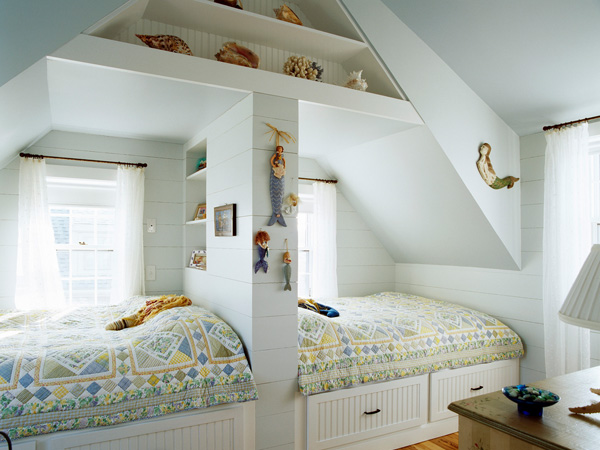 Place Drawers Under The Bed To Accommodate Your Necessities In The Bedroom 19 Bedroom Storage Ideas
