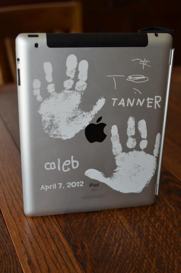 Handprints iPad engraving ideas. Are you happy to see your handprints and your name besides engraved on your beloved iPad?