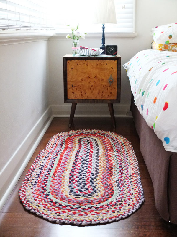 Braided T-shirt Rug. This upcycled braided rug is a super satisfying project to make.It will be perfect to place in front of the door.