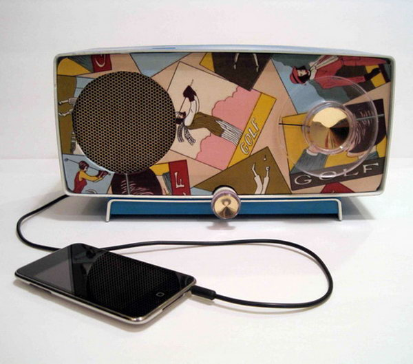 Vintage Radios Repurposed as iPod Speakers: Such a cool vintage to modern idea! See the tutorial