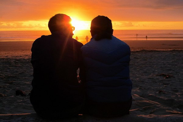Watch the Sunset. Nothing is more fantastic than sharing the beautiful scenery with your loved one. It's unforgettable to watch the sunset together with your buddy.