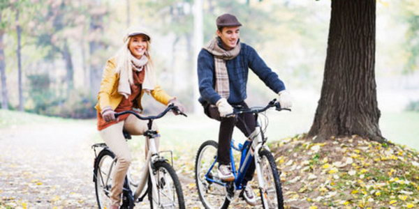 Riding. It's fabulous to take a bike ride with your buddy outside your city and pack a picnic to have a lot of fun together for the first date.