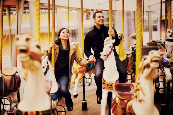 Amusement Park. It's fantastic to go to the amusement park. It's thrilling to experience roller coaster together. It must be an unforgettable memory of your first date.