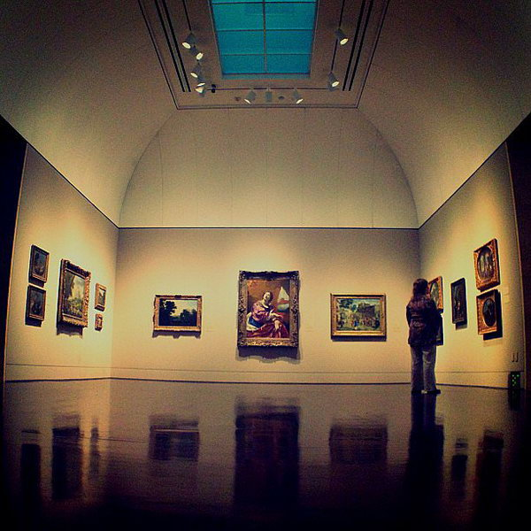Art Gallery Visit. It makes your conversation with her easier by discussing different art pieces. It can bring your relationship with her closer if you share the same interests and tastes.
