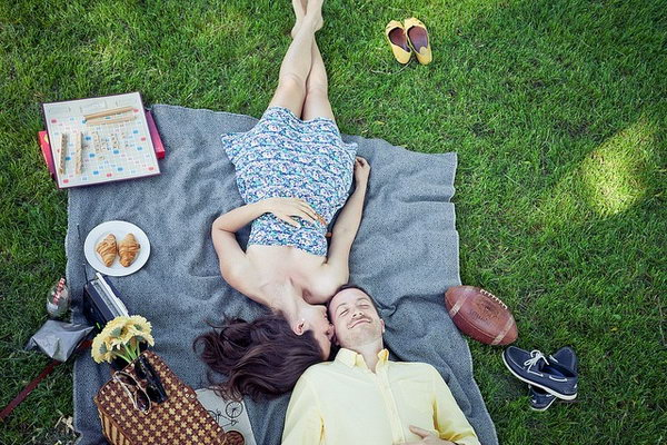 Go for a Picnic. It's trendy to take your buddy out for a picnic. You can relax on the lawn and enjoy the tasty food of her favorite flavor.