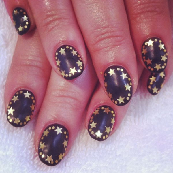 Matte Outline Stars Nails. This is all sorts of perfect! I love it, so clever! :)