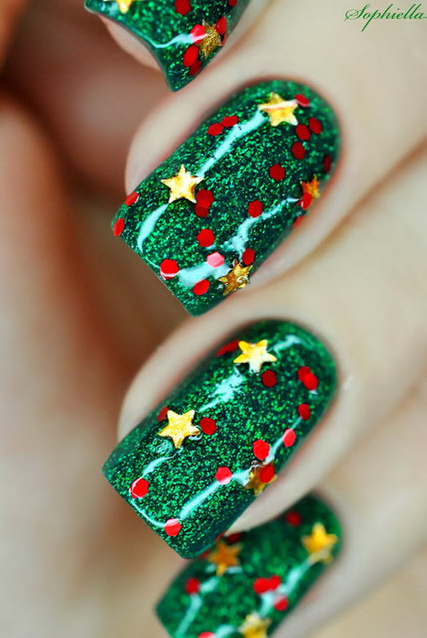 Glitter Green Christmas Nail Art with Gold Stars. This is all sorts of perfect! I love it, so clever! :)