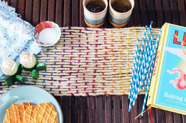 Rope Table Runner. Check out the tutorial