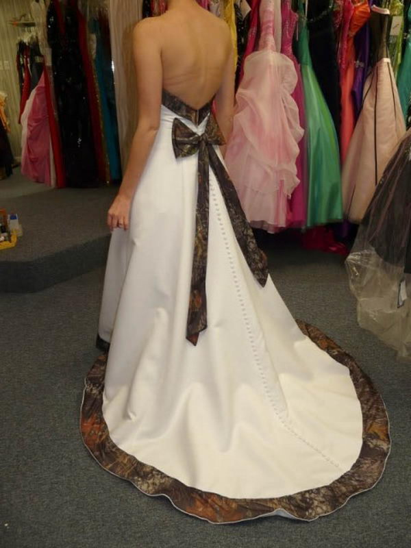 Camouflage Wedding Dress Offer A Unique Twist On The Traditional Wedding  Gown. Camo Doesnu0027t Have To Be Informal U2013 Some Designers Have Created  Elegant And ...