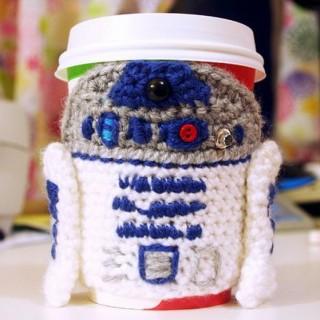20 Cool Crochet Coffee Cozy Ideas & Tutorials