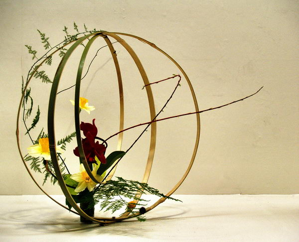 ball shape japanese flower arrangement 1