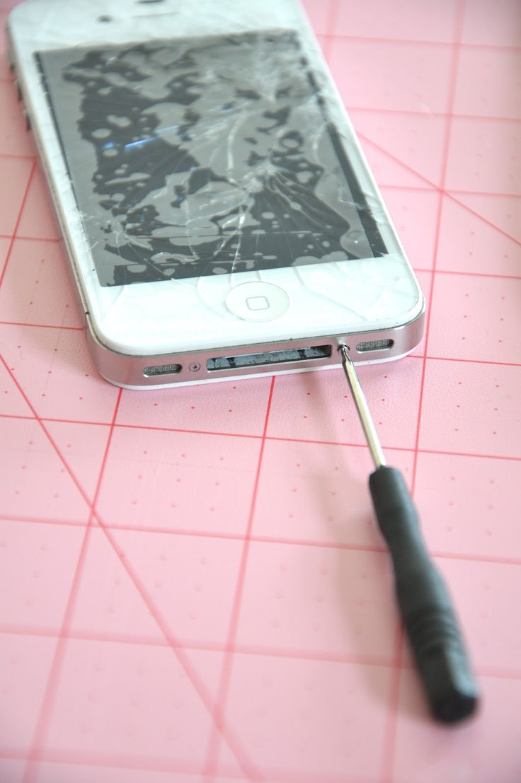 How to Fix a Cracked iPhone? Every iPhone lover should pin this.