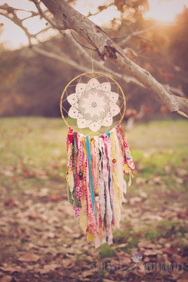 DIY Doily and Scraps Dream Cather.