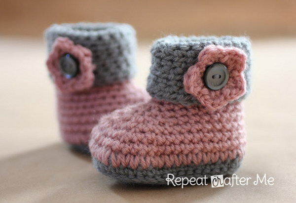 Crochet Cuffed Baby Booties.