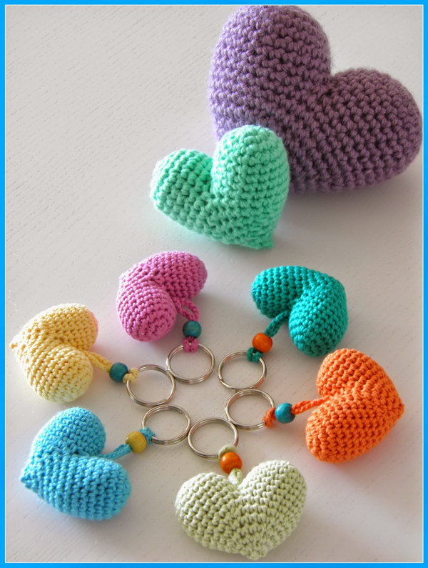 Quick Crochet Projects : Adorable Heart Key Chain Ornaments. Super easy and quick to crochet ...