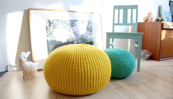 Cozy Knitted Stool. Nice to rest your legs on, and very popular for the kids. Great beginner's knitting projects. Tutorial via