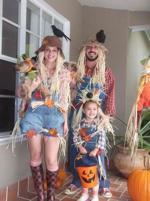 Cute Family Scarecrow Costumes.