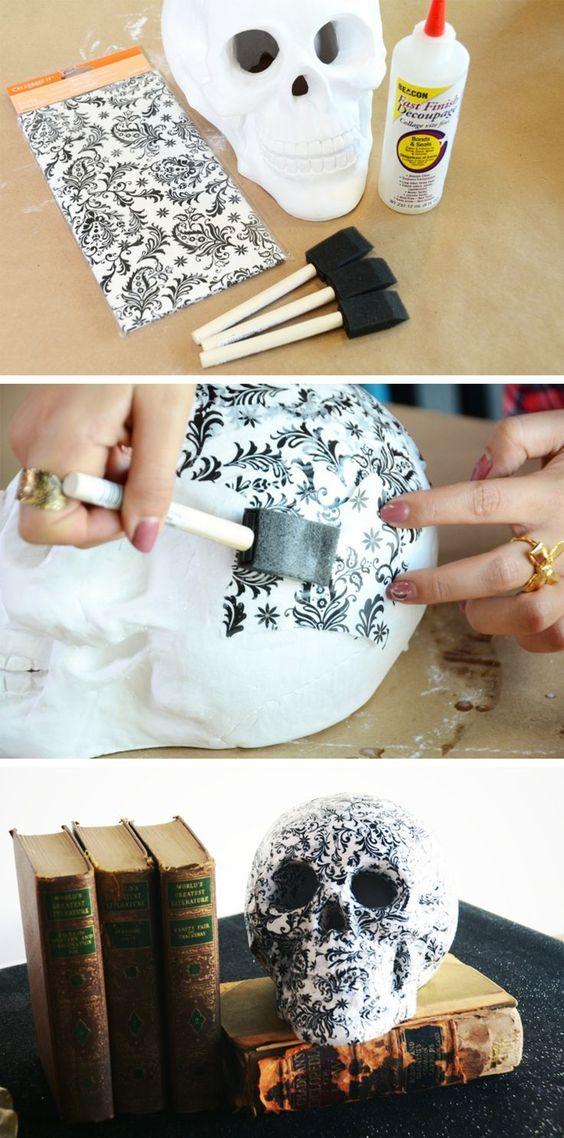 DIY Chic Skulls.