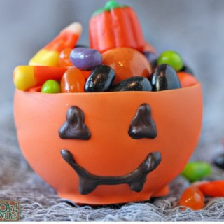 Easy DIY Halloween Crafts That Even Kids Can Do It