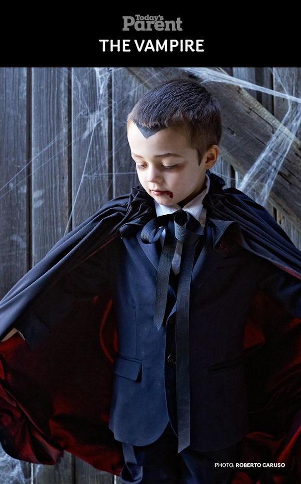 Vampire Halloween Costume for Boys .