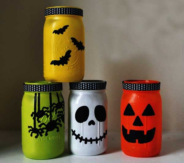 Halloween Mason Jar Lanterns.