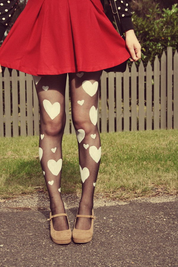 DIY Heart Print Tights for the Queen of Hearts Costume