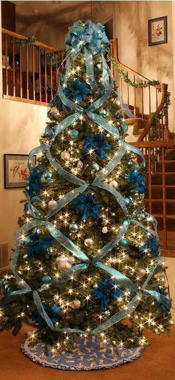 beautiful christmas tree decorating with cross ribbon - Traditional Christmas Tree Decorating Ideas