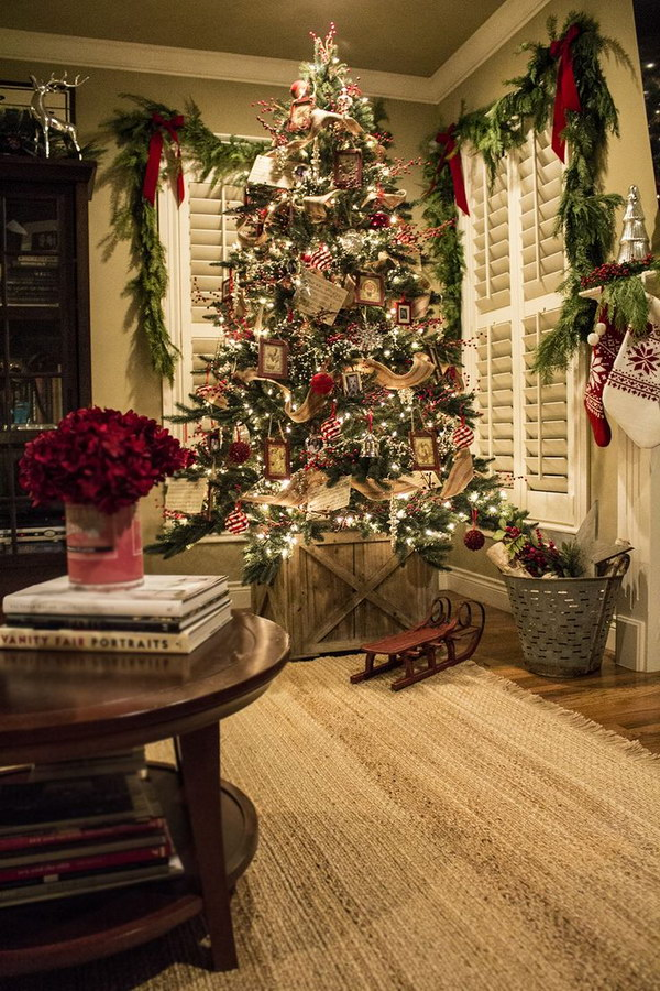 Red, Silver and Jute Ribbon Christmas Tree. This Christmas tree decor adds to a cozy and rustic feel to the space. Especially love the traditional look and the wooden crate as the Christmas tree stand.