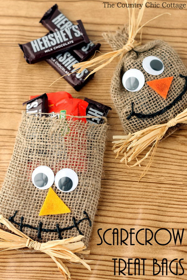 Scarecrow Halloween Treat Bags.