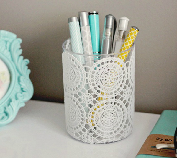 DIY Doily Pencil Cup. Get the tutorial